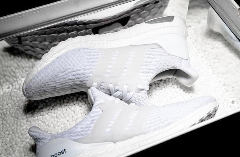 4c1645e127ea1 adidas ULTRA BOOST Triple White