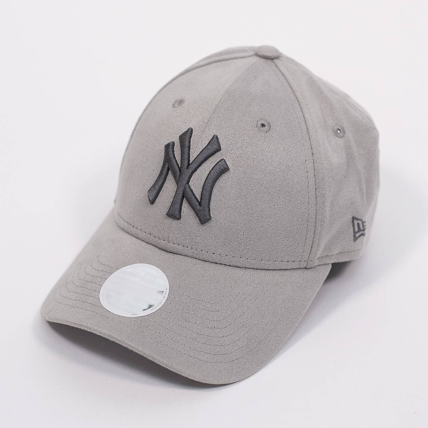 6bb4806e19a 940 New York Yankees Cap Womens