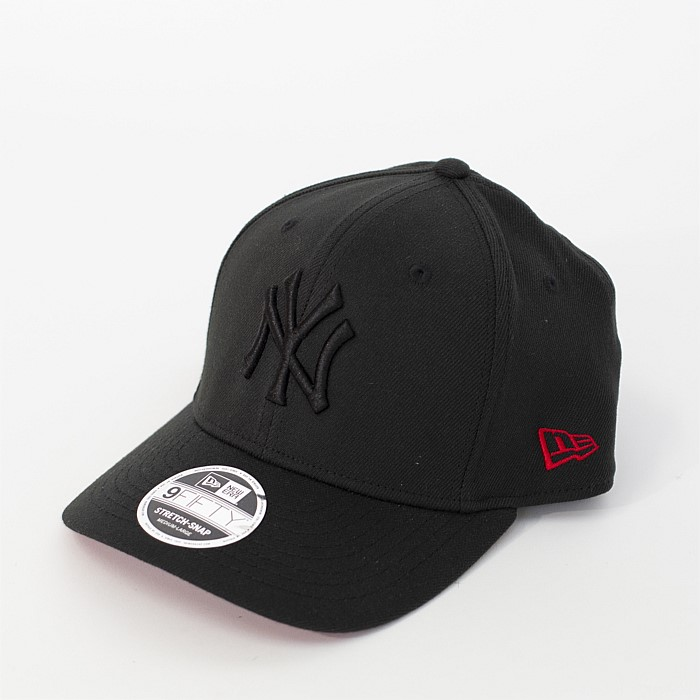 950 Stretch Snap New York Yankees Cap