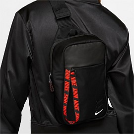 Sportswear Essentials Hip Pack